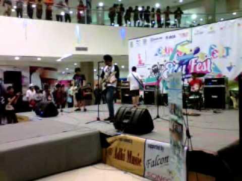 TEBAR PESONA live@blu plaza 2011