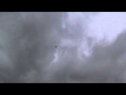 Испытания аварийно-спасательного парашюта.
