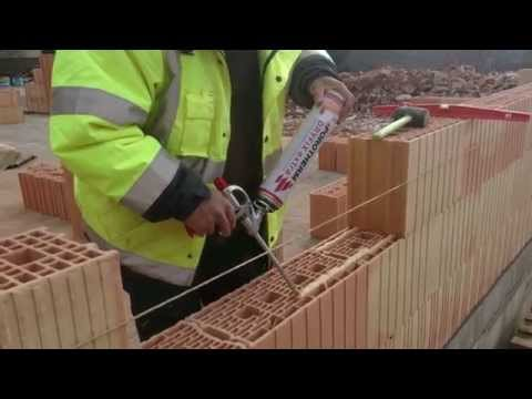 Scie sur table stm600 pour la coupe de brique monomur for Table beton cellulaire