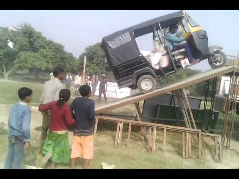 Dangerous Auto Rickshaw Stunt