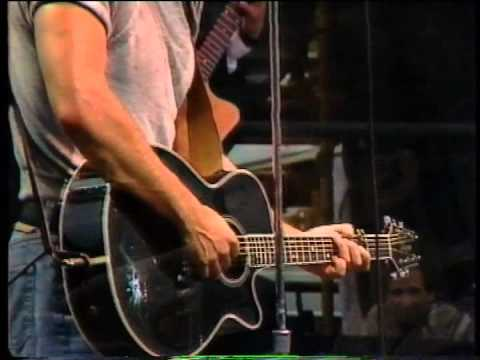 Bruce Springsteen - Live in Paris 1985 (Part 1 of 3)