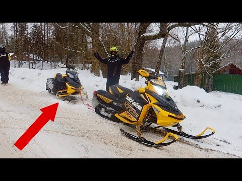 FIRST RIDE ON NEW SNOWMOBILE!!! PROBLEMS ALREADY 🤦🏻♀️