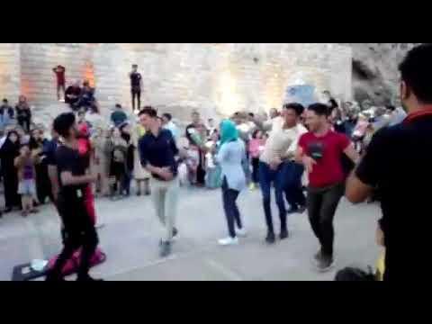 دروازه قرآن شیراز رقص دختر و پسر در کنار هم