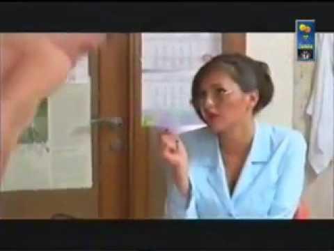 Девчонка на медосмотре видео