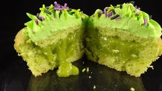 "Green ""slime"" Filled Cupcakes: With Yoyomax12"