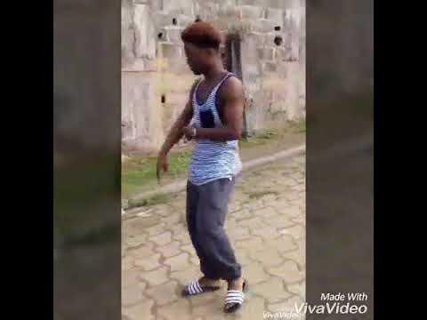 Super danseur gabonais !!! ( D'on zer goudronnier )