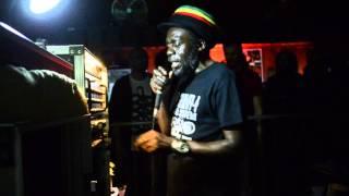ABA SHANTI I play MOA ANBESSA (Jah fire - Prince David)