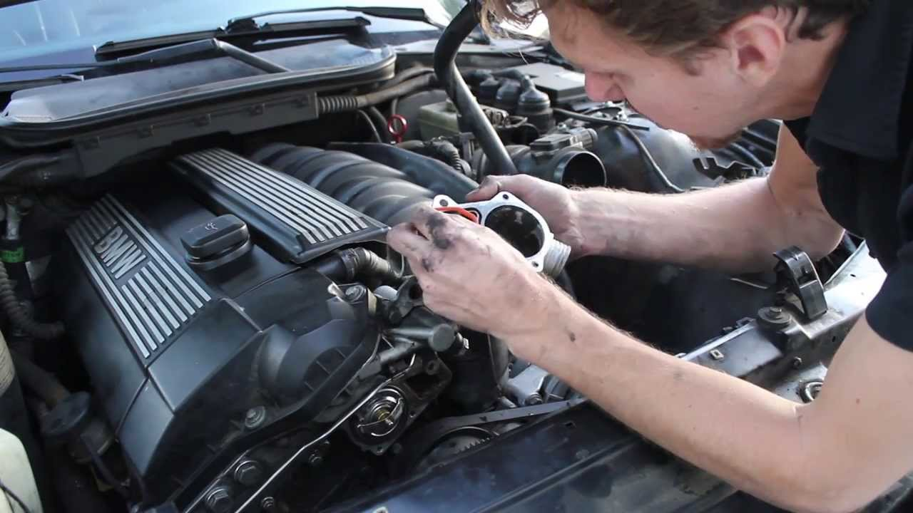 Replacing The Thermostat On Bmw E36 328i Youtube