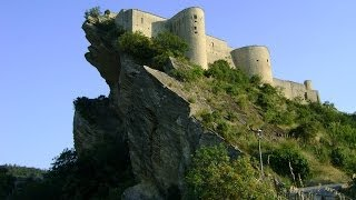 Италия.Замок castello Roccascalegna Abruzzo