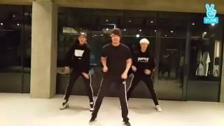 MBK Boys (Hangyul & Taeeun) dance with Ultrawin