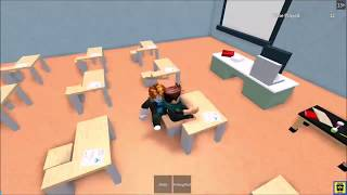Guy Turns Gay While Playing Roblox