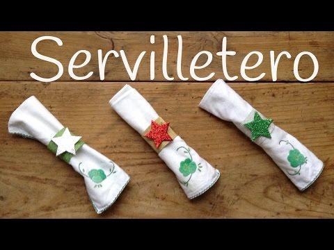 Servilleteros de navidad brillantes con material reciclable