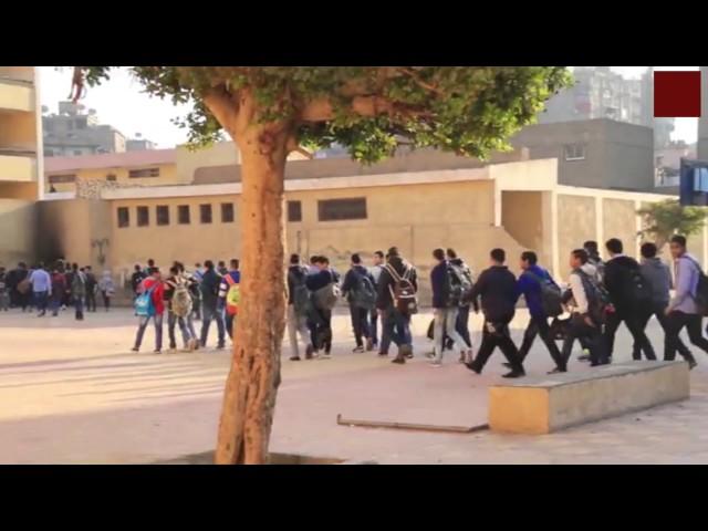 مدرسة ثانوية تستعين بطلاب مدرسة أخرى لحضور طابور وزير التعليم