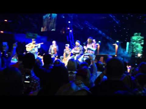 Zac Brown Band - The Joker/Caress Me Down (Steve Miller Band & Sublime Cover) (Live) (HQ)