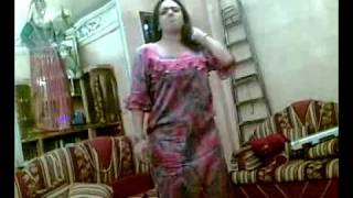 Repeat youtube video Afghan sexy girl dancing