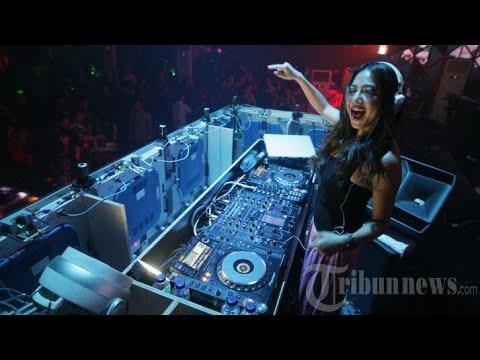 DJ Slow Banget FULL BASS MAUMERE...