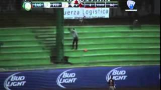Baixar Beisbol, 4B, Miguel Tejada conecta homerun y le da la vuelta al juego
