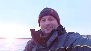 Весна а мы на льду ловим карася водоём ГЛЫБОКЕ