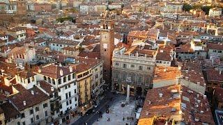 Repeat youtube video Verona Giulietta e Romeo Verona Italy Livecam Webcam Piazza Erbe Giulietta e Romeo