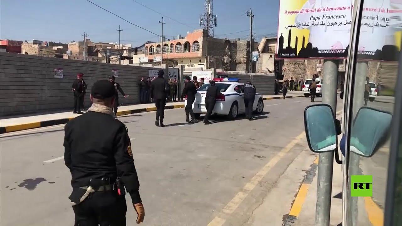 شاهد.. تعطل سيارة بوليسية تقود موكب البابا في الموصل  - نشر قبل 5 ساعة