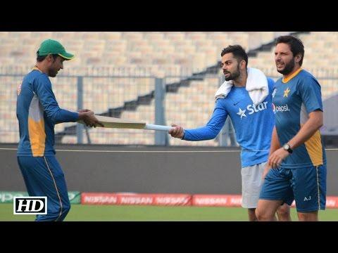 IND v PAK: Virat Kohli's Gift To Mohammad Amir   Respect   Greatness of Virat