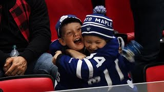 Fans go nuts as Matthews scores game-winner with 30 seconds left against Red Wings