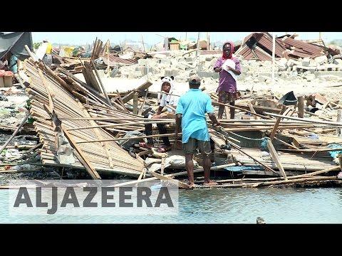 Thousands displaced after Lagos police raze slum