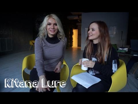 porno-aktrisi-daet-intervyu-video-yaponskiy-futbolist-druzhit-s-pornozvezdoy