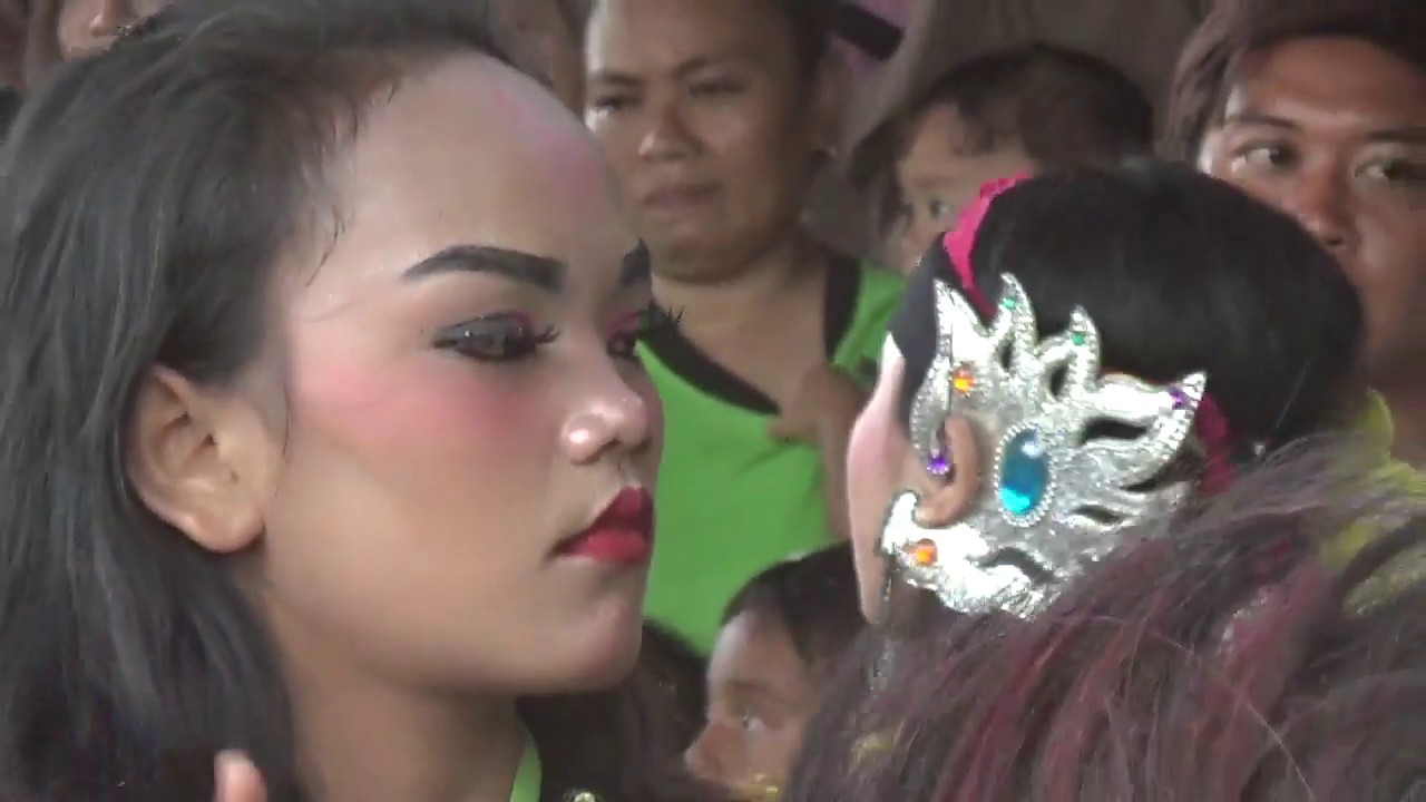 Prajuritan jam 15 Ebeg Budaya Ngesti Laras di Curug Rawalo Banyumas
