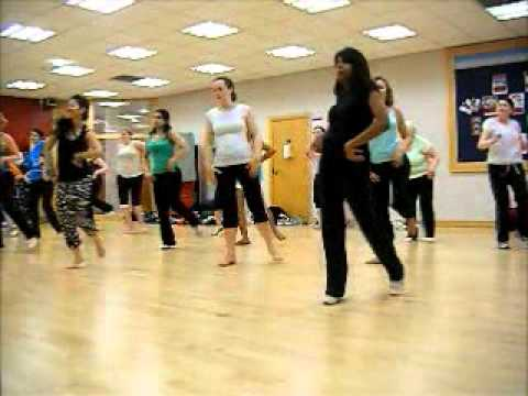 Bollywood Dance Classes @ Dancebuzz (Beginners & General Level)