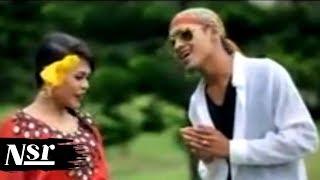 Maya-Sari & Reyhana - Budi Setahun Segunung Intan (Official Music Video)