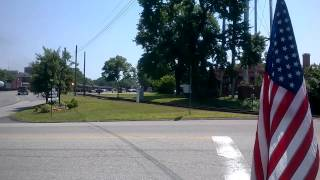 Minivan gets stuck at railway crossing!