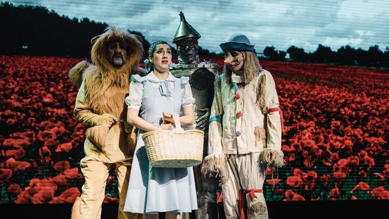 Buscando al Maravilloso Mago de Oz - YouTube