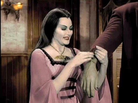 the munsters family portrait in color - Munsters Halloween Episode