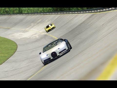 Bugatti Chiron vs Ferrari LaFerrari at Monza Full Corse 1966