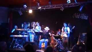 MA COME FANNO I MARINAI -Mimmo Colamesta con Work in Progress Tribute Band Lucio dalla 2012