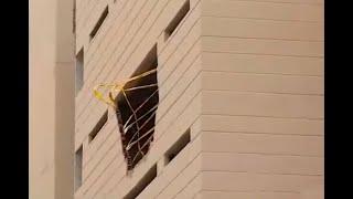 Mamá e hija mueren al caer en su carro desde el cuarto piso de un edificio en Medellín