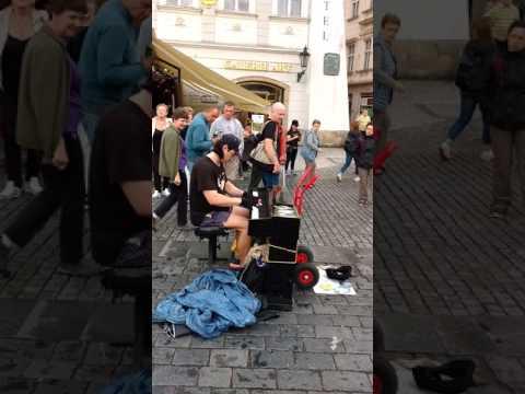 Street performance in Prague, Czech Republic (Ludovico Einaudi cover)
