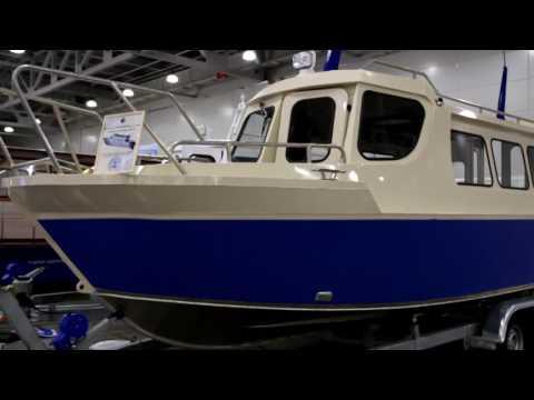 непотопляемый катер для рыбалки
