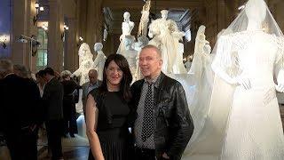 Gaultier inauguró en el CCK su muestra de moda por el amor en la diversidad thumbnail