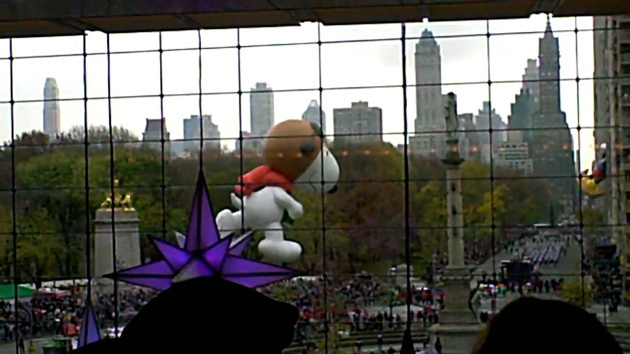 Macy's Thanksgiving Parade from Columbus Circle - YouTube
