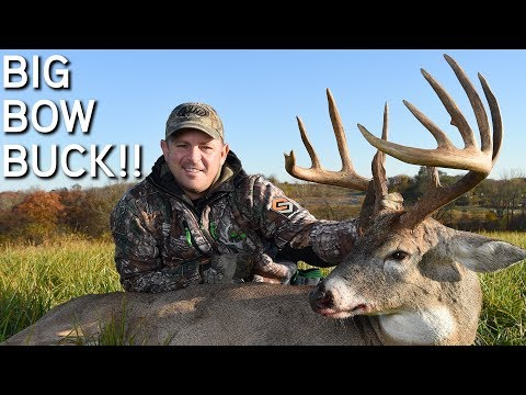BIG Bow Buck! | Bowhunting Southern Iowa