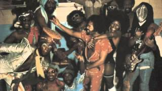"Parliament Funkadelic ""Comin Round The Mountain"" Live 1976"