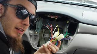 How To Remove and Install a Radio: 2000-2007 Toyota Highlander