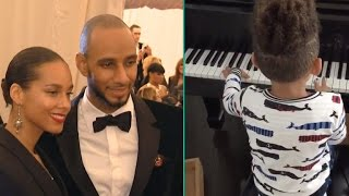 watch alicia keys and swizz beatzs 4 year old son play the piano like a pro