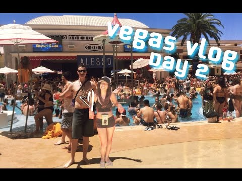 Pool Party / Secret Pizza / DOWNTOWN Fremont St. / Drunk Anita - Las Vegas Trip 2016 - Vlog Day 2