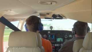 Piper Seneca III Take off 2300ft/700m runway Full 1080 HD