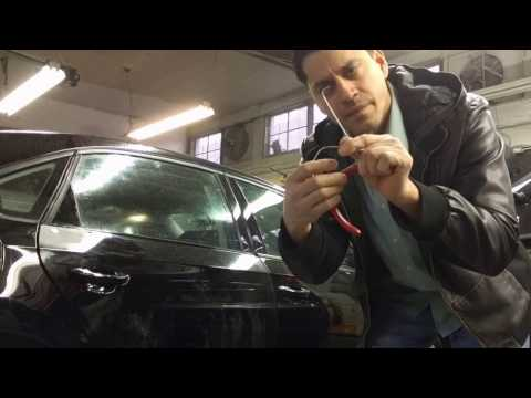 How to remove a handle from a Volkswagen Passat 2014