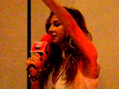 ANNA VISSI LIVE (LINK SUPER FM GLORIA JEANS PART 2)