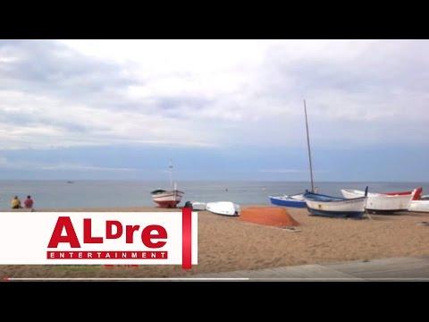 Holiday in Spain - Pineda de Mar, Costa Brava Sexy!  [HD]